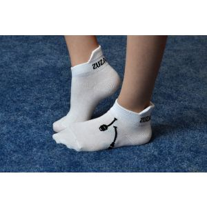 Ponožky bílé, kužele černé